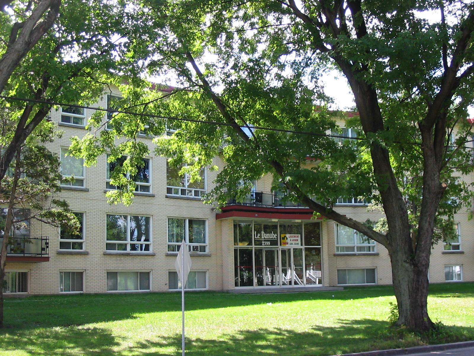 2399, Chemin Ste-Foy #4, Québec G1V 1T1